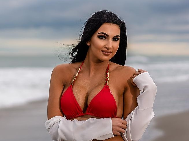 WWE Star Billie Kay