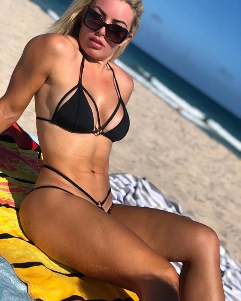 Mandy Rose likes to treat her followers to stunning snaps